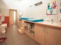 st-bilhildis-kinderkrippe-wickeln-wc